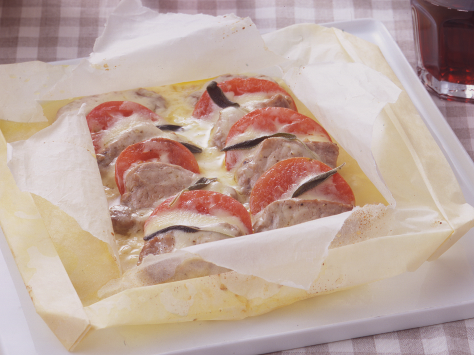 豚肉とトマトのカルトッチョ